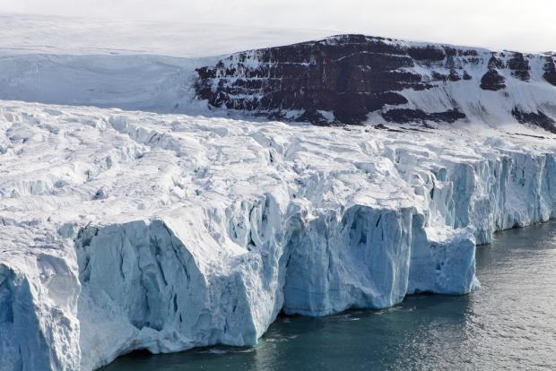 160817-Grönland-Isfront-shutterstock_59077351_0